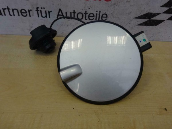 Opel Astra H Tankklappe 13112001 Tankdeckel Farbe Z157 Silber